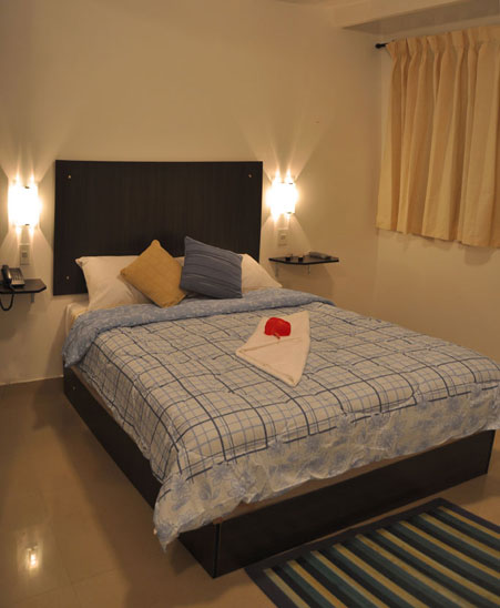 Hotel los lirios m rida habitaci n matrimonial - Como decorar una alcoba matrimonial ...